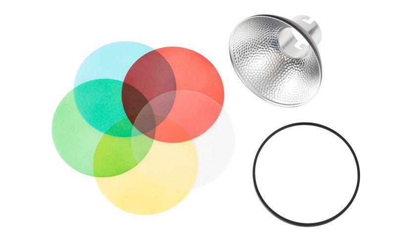 Reflektor s barevnými filtry - doplňkové příslušenství k tomuto blesku (foto: www.godox.cz)